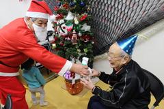 高齢者プレゼント_29.12.27.JPG